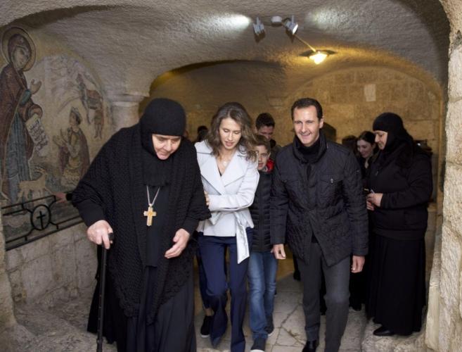 الرئيس الأسد وعائلته في زيارة لميتم الأطفال في دير سيدة صيدنايا بريف دمشق