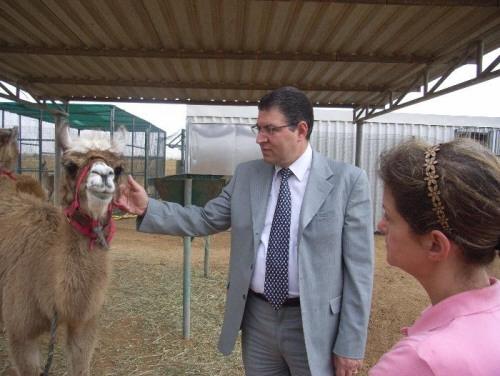 أخبار سوريا - جهينة نيوز - سورية : من مديرٍ لمشروع حماية الحيوان في سورية إلى مدير لمركز تطوير المناهج التربوية!