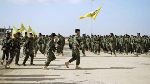 シリアの東にイタリア軍が到着した。それは誰の背後にあり、彼は何を望んでいるのか?