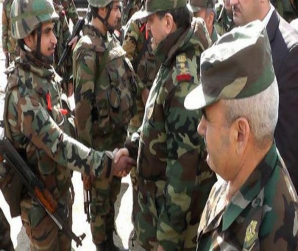 بتوجيه من الرئيس الأسد.. وزير الدفاع يقوم بجولة ميدانية في عتمان بريف درعا